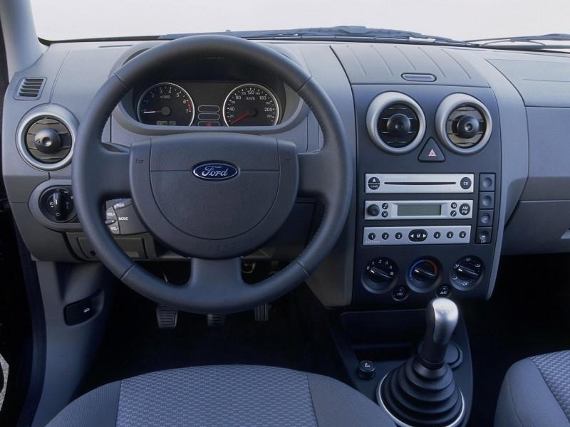 салон автомобиля форд фьюжн
