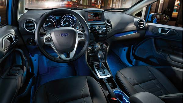 салон автомобиля форд фиеста 2015